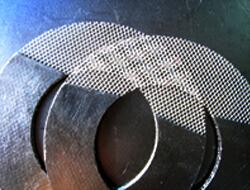 金属メッシュで補強されたグラファイトガスケット